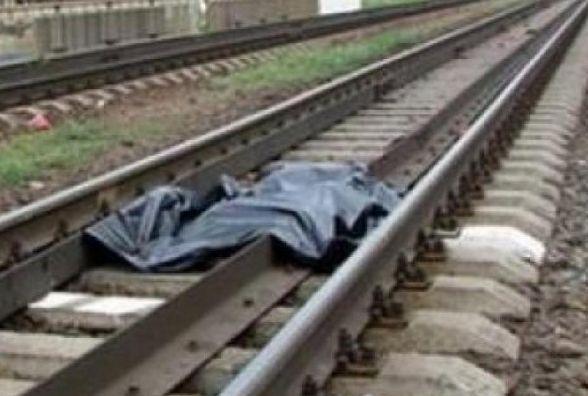 Смертельна ДТП на залізниці: поїзд переїхав жінку, яка лежала на колії