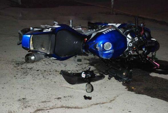 ДТП по Київській: автівка стукнула мотоцикл YAMAHA. 24-річний хлопець в лікарні