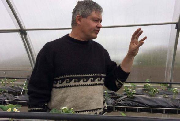 За 25 кілометрів від Вінниці переселенець-інженер вирощує солодку картоплю