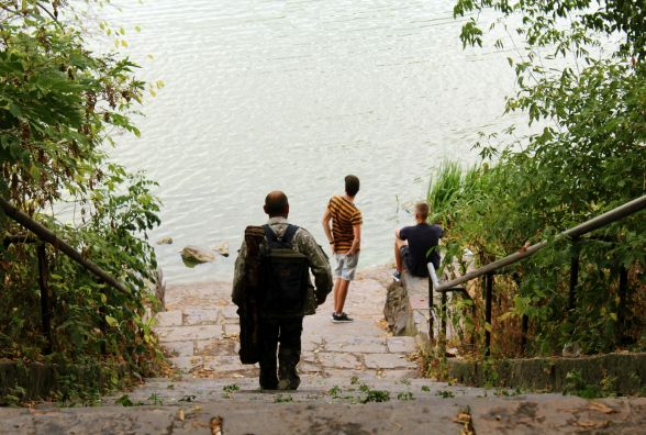 """Коли хлопчаками грали в футбол, спускалися сюди пити воду"": рибалка про парк ""Кумбари"""