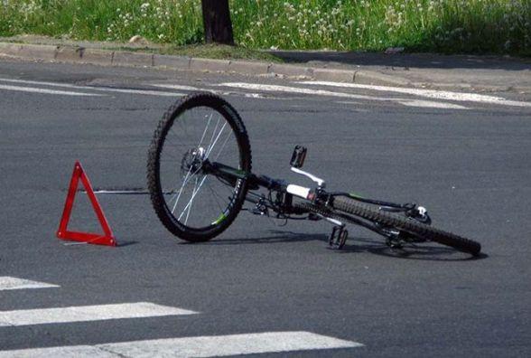 ДТП на Данила Нечая: велосипедист потрапив під колеса автівки