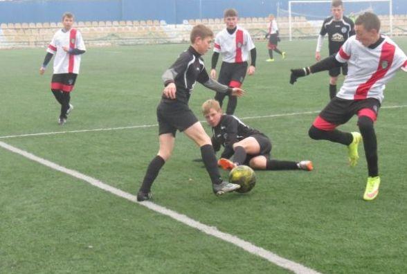 Футболісти «Прем'єр-Ниви» у трьох матчах переграли житомирян