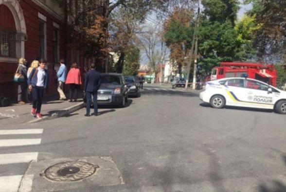 В будівлі Віноблрадіо шукали вибухівку. Евакуювали 20  працівників