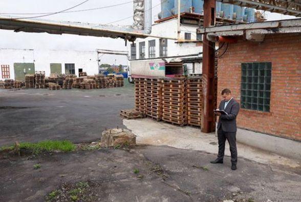Поліція шукає «мінера», який повідомив про бомбу на заводі в Калинівці