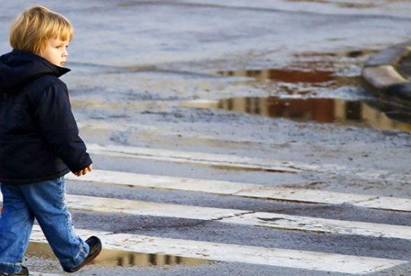 Аварії вівторка: «на зебрі» під колеса іномарок потрапили дві дитини