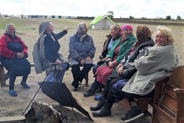 Активісти чергують, робочі риють землю — цвинтар у Сабарові
