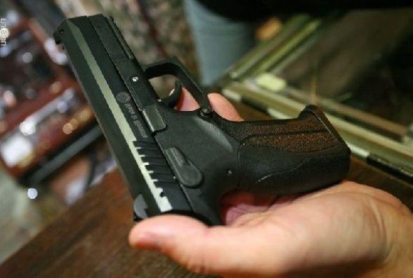 Вінницькі СБУшники затримали банду, яка продавала зброю та наркотики