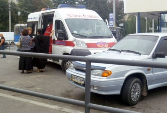 На вулиці Василенка у водія «ВАЗу» стався епілептичний напад