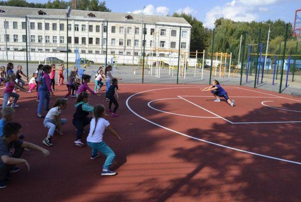 Легкоатлетична «розминка з олімпійцем» у Вінницькій школі № 30