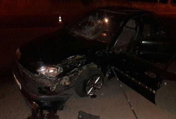 На Пирогова водій Renault протаранив мотоцикл. Двоє молодиків в лікарні