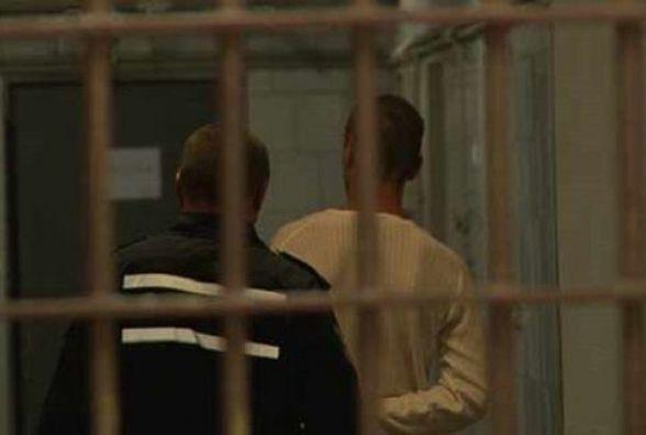 Знайшовся чоловік, який порізав та пограбував продавщицю на Хмельницькому шосе