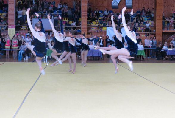 На чемпіонаті України з естетичної групової гімнастики танцювали тільки танго