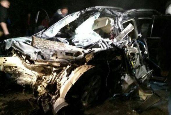На Козятинщині зіткнувся Lexus та вантажівка. Від іномарки залишилася купа брухту