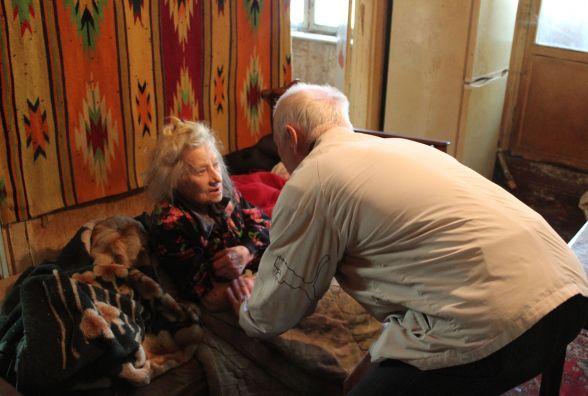 «Вона до понеділка не доживе». На Юності пенсіонерка-інвалід потребує допомоги