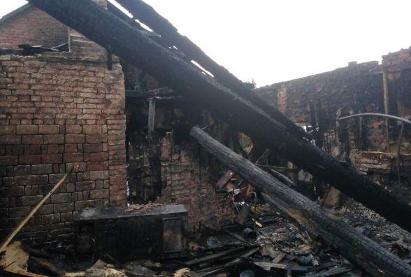 В Хмільнику загорілась шкільна майстерня. Гасили на чотирьох пожежних машинах