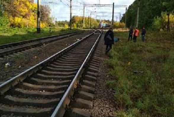 Потяг збив молоду вінничанку, яка йшла у наушниках і не чула сигналу