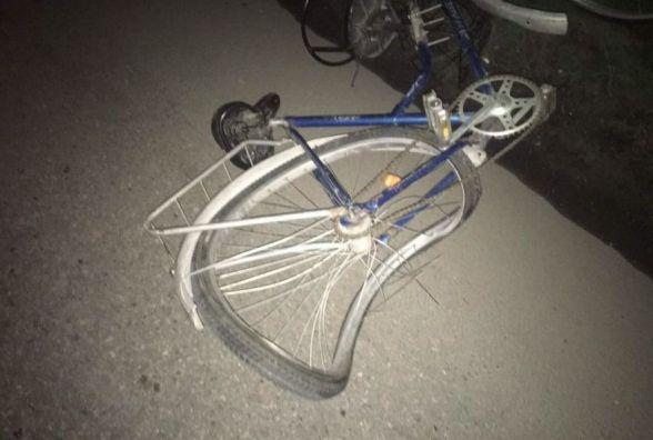П'яний велосипедист «виляв» по вінницькій трасі. Його збила вантажівка