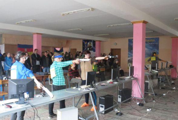 Молоді стрільці готові йти у снайпери, а тренери допомагають готувати до АТО