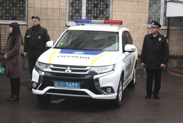 «Не для того, щоб кашу возити»: Сергій Князєв передав училищу поліції охорони позашляховик