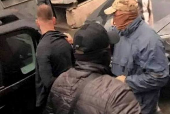 «Нал» забрав Толік лічно» - $105 тисяч знайшли на клумбі у Вінниці