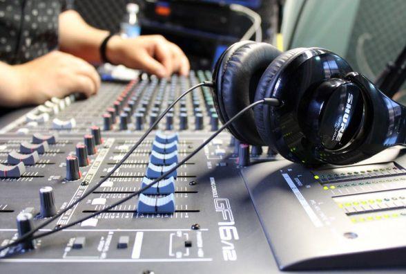 Три вінницькі радіостанції припинили мовлення. Їм не продовжили ліцензії