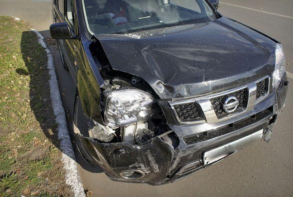 Суботні аварії: 47-річна водійка на «Nissan X-Trail» влупилась в Опель