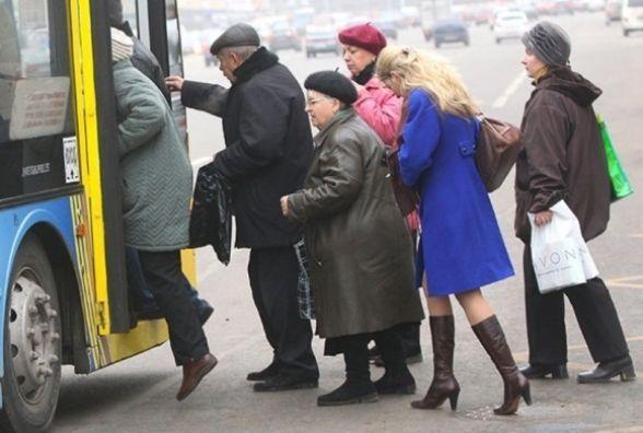 Чи стане платним проїзд у громадському транспорті для пенсіонерів? Відповідь мерії