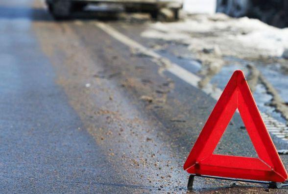Лобове зіткнення у Гуньках: Chevrolet в'їхав у маршрутку
