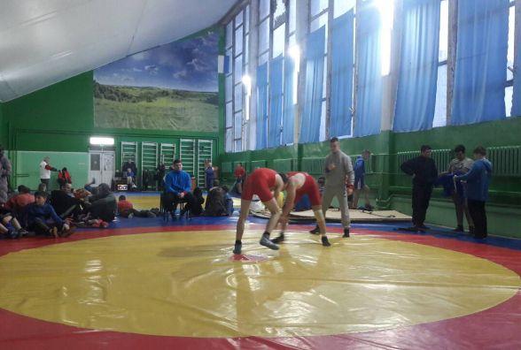Вихованці МДЮСШ № 5 виграли чемпіонат Вінниці з вільної боротьби