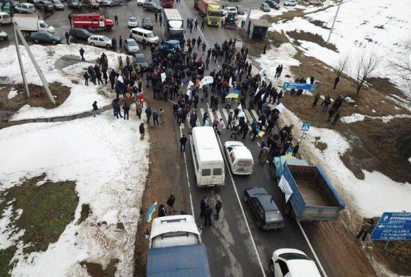 Аграрний бойкот: до 15 години перекриють державну трасу на Вінниччині