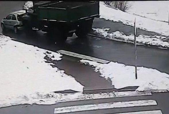 Два ДТП у Вінниці: що зафікували камери відео нагляду в вівторок