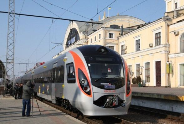 Додатковий «Інтерсіті» пустять на Проводи через Калинівку, Вінницю і Гнівань