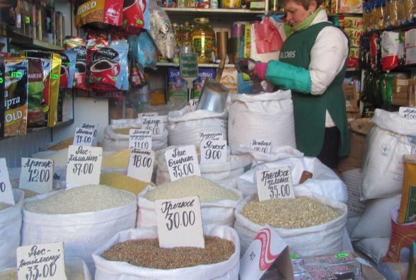 «Золоту» гречку продають у Вінниці на ринку Урожай: хто утримує високу ціну?