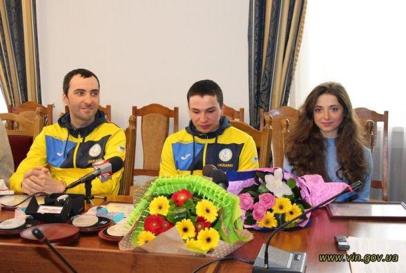 Вінничанам-паралімпійцям вручили сертифікати на 50, 100 та 250 тисяч гривень