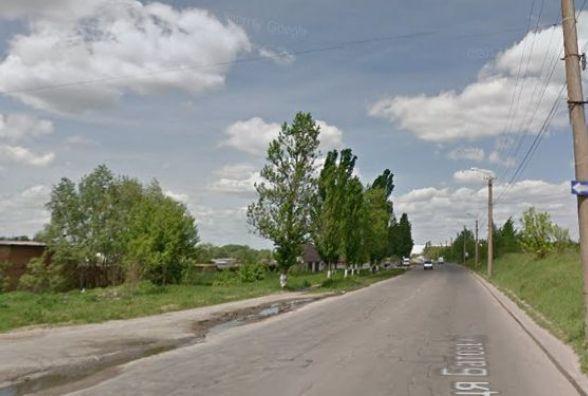 """""""Довели дорогу до критичного стану"""": вінничани просять відремонтувати одну із міських вулиць"""