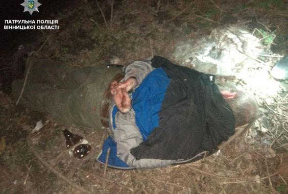 На Стрілецькій на вінничанку напав чоловік з ножем. Компанія не допомогла