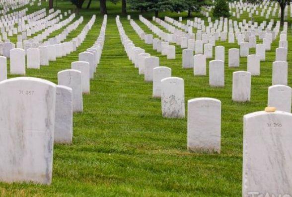 Кабмін ініціює біопоховання без пам'ятників. Але грошей на крематорій немає