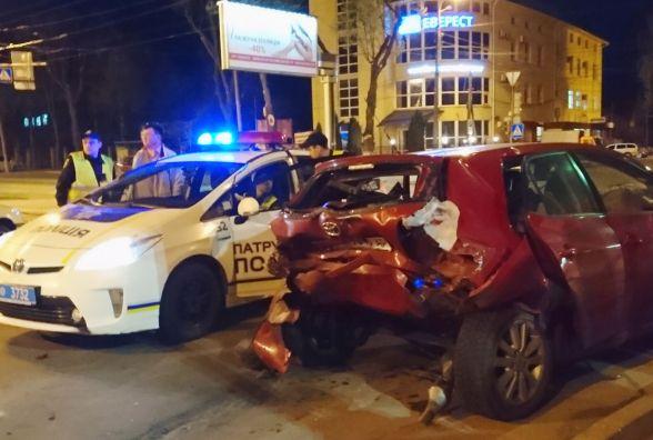 Поліція про аварію на Данила Галицького: серед потерпілих була жінка-пішохід