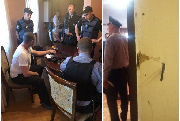 Озброєні колектори зламали броньовані двері і вклали підлітка лицем в підлогу