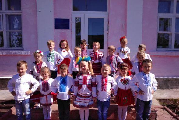 День вишиванки на Вінниччині: яскраві фото заполонили соцмережу