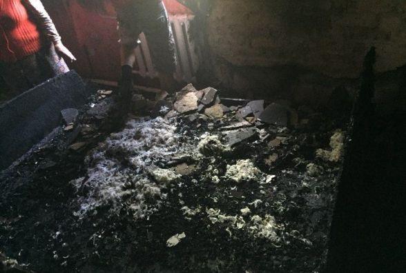 Через замикання загорівся будинок на Вінниччині. Гасили 4 пожежників