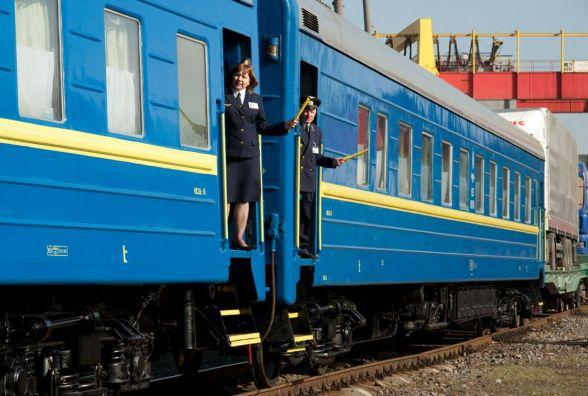 На Трійцю призначили додаткові поїзди та рейси. Є і через Вінницю