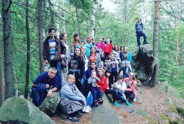 Діти з двох інтернатів отримали приз - подорож у Карпати