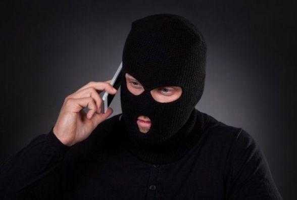 Псевдопрокурори позичають гроші: вінничан попереджають про шахраїв