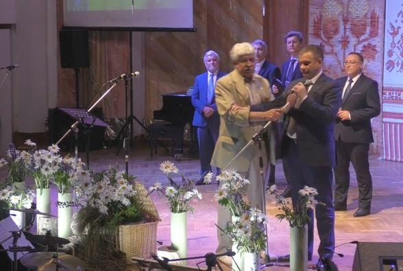 На відкритті Шевченківського свята адвокат Палій забирав мікрофон у Моргунова
