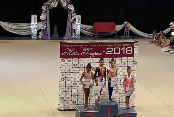 Злива нагород вінницьких гімнасток на міжнародному турнірі «Літня феєрія»