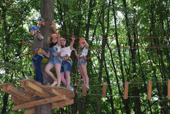 Дітям із прифронтової зони Донбасу організували відпочинок у Вінниці