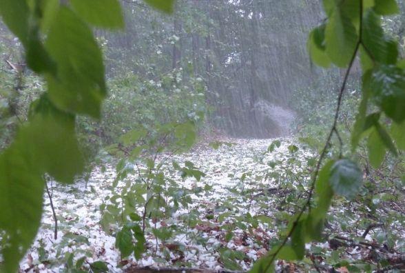 Оголосили штормове попередження. На Вінниччину сунуть грози, шквали та град