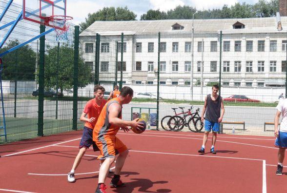 Вінницький етап чемпіонату України з баскетболу «3 Х 3» виграли гості. Господарі реваншувалися в конкурсі триочкових