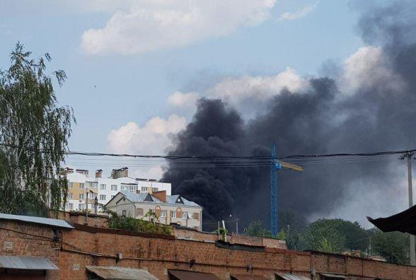 На Поділлі валив чорний дим. Пожежники не змогли знайти осередок (ОНОВЛЕНО)
